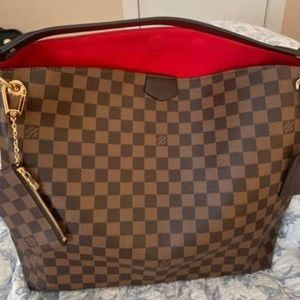 SOLD  lv graceful mm comes w everything